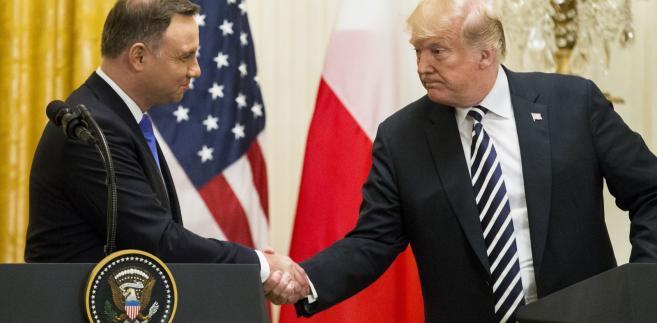 """""""Szyderstwa i napad lewackich mediów oraz niektórych polityków i komentatorów, o znanych poglądach, pokazują sukces wizyty w Waszyngtonie. Gdyby tak nie było, to by ją przemilczeli jako nieważną. Dziękuję za te wyrazy uznania!"""" - napisał prezydent."""