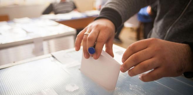 Szef PKW zwracał też uwagę, że w trakcie wyborów samorządowych w wielu miejscach były problemy lokalowe - w efekcie czego część wyborców nie miała odpowiednich warunków do głosowania.
