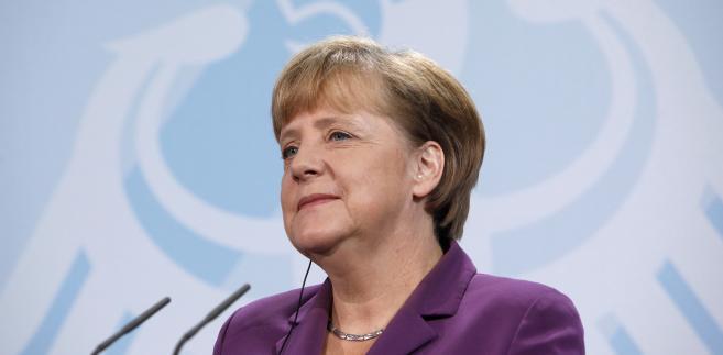 Merkel ocenia niezbyt optymistycznie szanse porozumienia. Jej zdaniem Cameron uważa weto za popularny gest zarówno w brytyjskim społeczeństwie jak również we własnej partii.