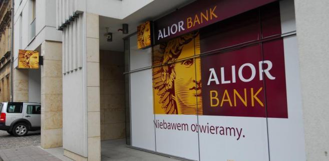 We wtorkowych komunikatach Pekao i Alior ujawniły również opóźnione informacje poufne, według których w maju za najkorzystniejszą opcję współpracy uznano połączenie, z uwzględnieniem emisji akcji połączeniowych Pekao skierowanych do akcjonariuszy Alior Banku