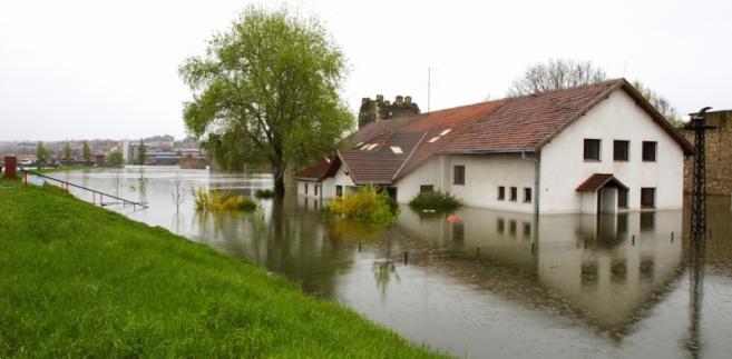 Synthos wstrzymał produkcję w czeskich zakładach spółki w związku z zagrożeniem powodziowym.
