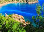 Wybrzeże Morza Śródziemnego w pobliżu Ibizy