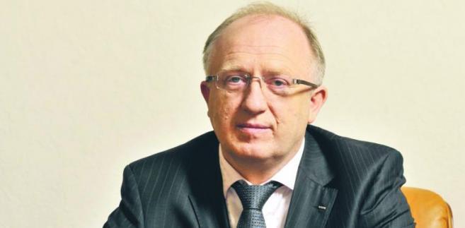 Prezes KGHM Herbert Wirth mówił w ub. miesiącu, że konglomerat wypłaci dywidendę za rok 2012, ale jej wysokość będzie wypadkową aspiracji rozwojowych i możliwości finansowania.